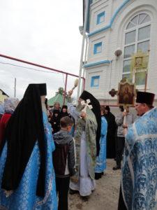 Божественной Литургией закончился в день праздника Успения Пресвятой Богородицы 12-й покаянный Крестный ход Ижевск - Перевозное.
